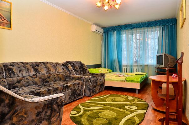 1-комнатная квартира посуточно в Киеве. Соломенский район, ул. Василия Липковского, 30. Фото 1