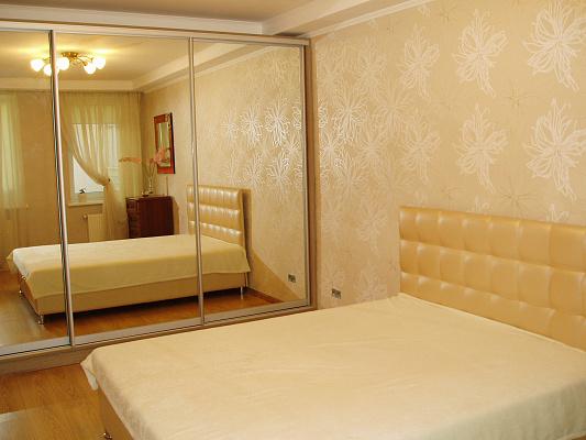 2-комнатная квартира посуточно в Одессе. Приморский район, ул. Спиридоновская, 20. Фото 1