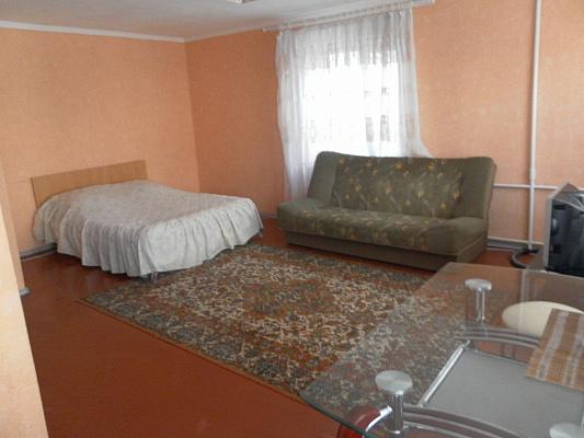 1-комнатная квартира посуточно в Житомире. ул. Рыльського, 1. Фото 1