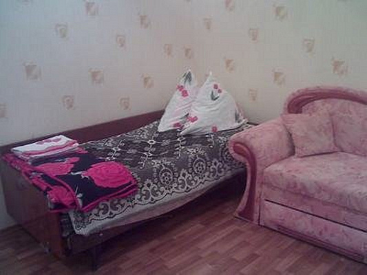 2-комнатная квартира посуточно в Севастополе. Ленинский район, ул. 6-я Бастионная, 2. Фото 1