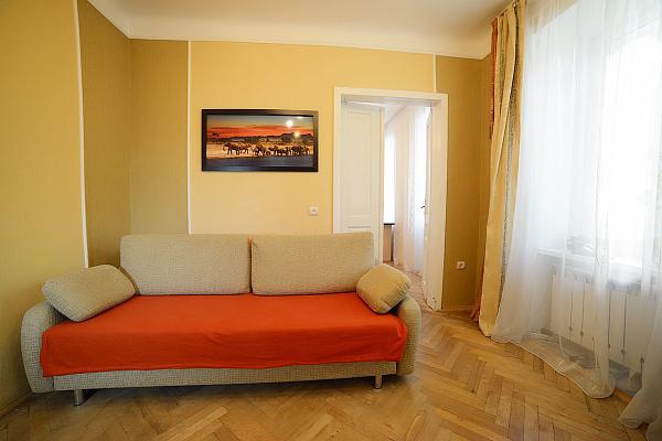 2-комнатная квартира посуточно в Львове. Галицкий район, ул. Драгоманова, 30. Фото 1
