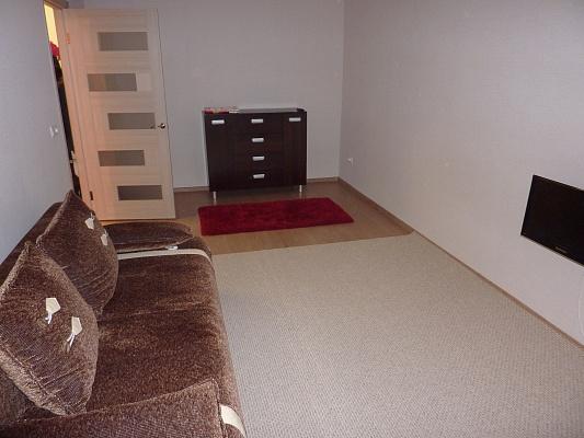 1-комнатная квартира посуточно в Ковеле. ул. Грушевского, 11. Фото 1