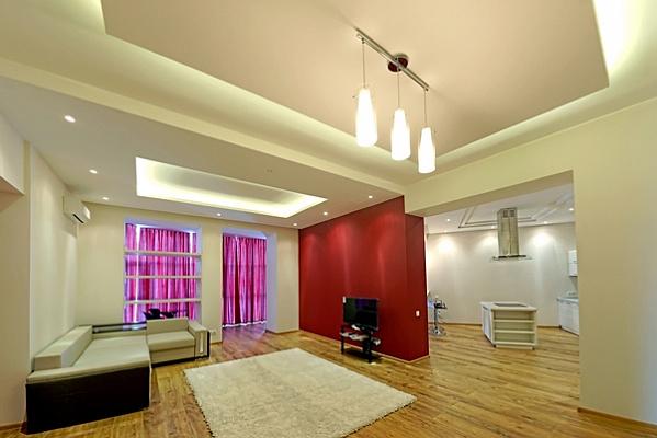 1-комнатная квартира посуточно в Одессе. Приморский район, лидерсовский бульвар 5, 5. Фото 1