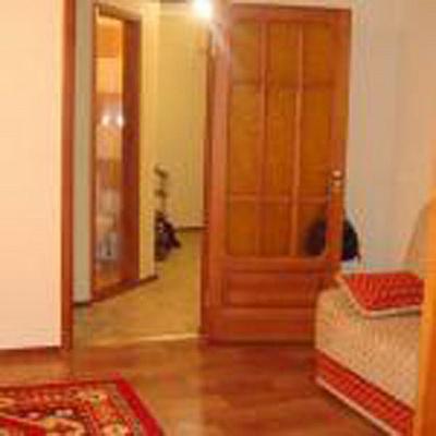 2-комнатная квартира посуточно в Севастополе. Ленинский район, ул. Гоголя, 10. Фото 1