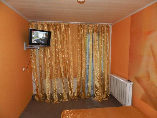2-комнатная квартира посуточно в Запорожье. Орджоникидзевский район, Яценко, 1, 1. Фото 1