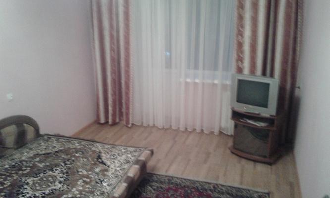 1-комнатная квартира посуточно в Чернигове. Новозаводской район, ул. Ремесленическая (Комсомольская), 58. Фото 1