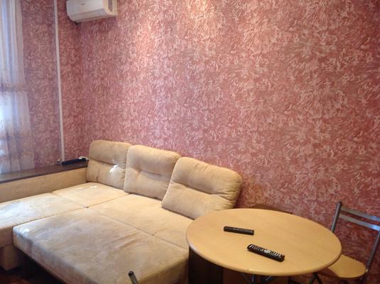 1-комнатная квартира посуточно в Бердянске. ул. Ленина, 39. Фото 1