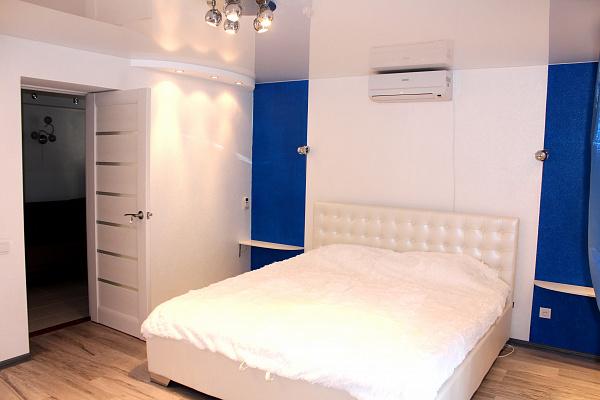 2-комнатная квартира посуточно в Одессе. Приморский район, ул. Елисаветинская, 9. Фото 1