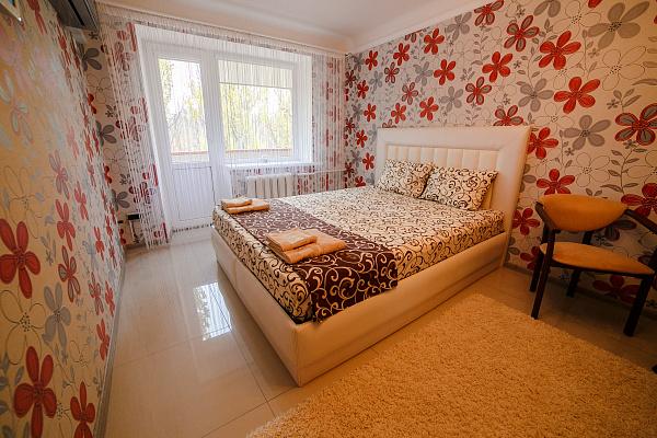 1-комнатная квартира посуточно в Мелитополе. пр-т Б. Хмельницкого, 47. Фото 1