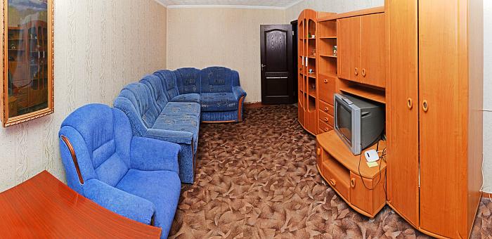 1-комнатная квартира посуточно в Сумах. Ковпаковский район, ул. Ильинская, 12. Фото 1
