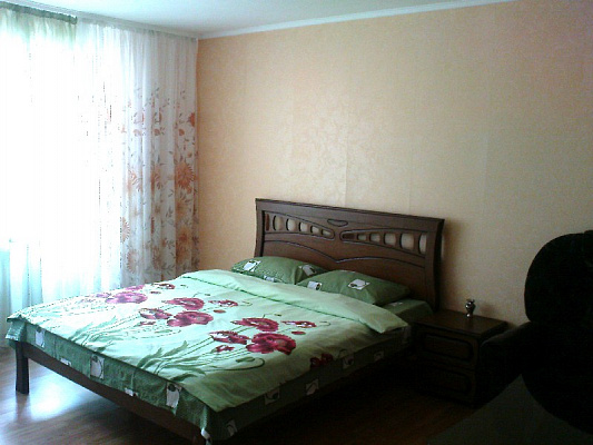 1-комнатная квартира посуточно в Полтаве. Октябрьский район, ул. Черновола, 2б. Фото 1