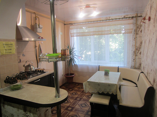 2-комнатная квартира посуточно в Измаиле. ул. Хотинская, 86. Фото 1