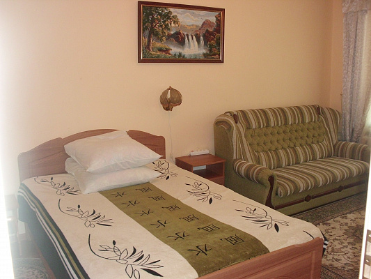 1-комнатная квартира посуточно в Трускавце. ул. Владимира Ивасюка, 1. Фото 1