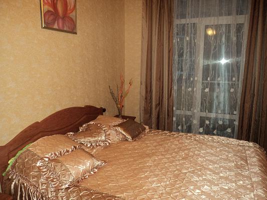 2-комнатная квартира посуточно в Харькове. Киевский район, пр-т Московский, 5. Фото 1