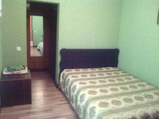 3-комнатная квартира посуточно в Каменце-Подольском. ул. Любы Берлин, 9. Фото 1