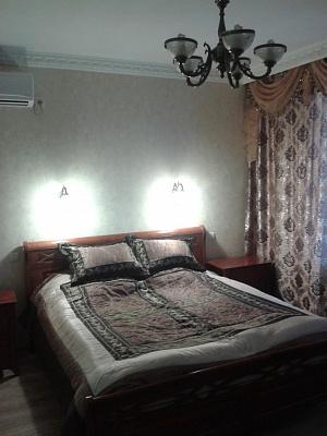 1-комнатная квартира посуточно в Севастополе. Гагаринский район, пл. Омега, 4. Фото 1