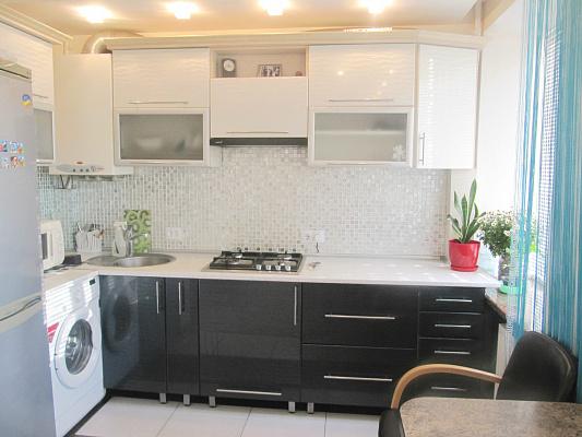 2-комнатная квартира посуточно в Бердичеве. ул. Винницкая, 10. Фото 1