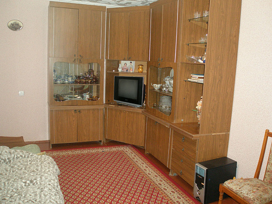 2-комнатная квартира посуточно в Каменце-Подольском. ул. Пушкинская, 46. Фото 1