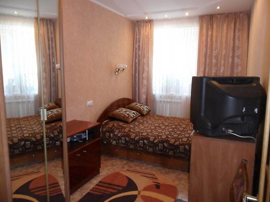 2-комнатная квартира посуточно в Форосе. ул. Космонавтов, 7. Фото 1
