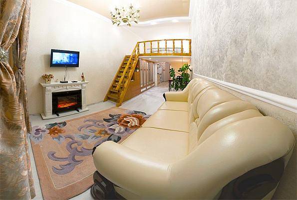 1-комнатная квартира посуточно в Севастополе. Ленинский район, ул. Ленина, 30. Фото 1