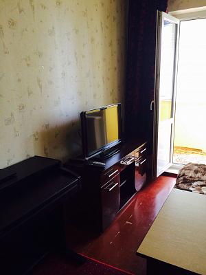 1-комнатная квартира посуточно в Вишнёвом. Святоюрьевская, 28. Фото 1