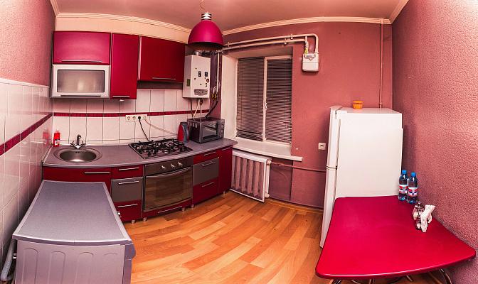 1-комнатная квартира посуточно в Черкассах. ул. Надпольная, 214. Фото 1