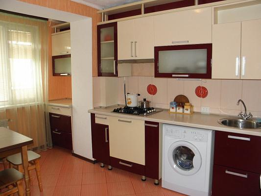 2-комнатная квартира посуточно в Евпатории. Заозерное, ул. Зеленая, 1А. Фото 1