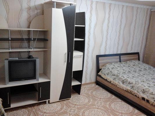 1-комнатная квартира посуточно в Симферополе. Железнодорожный район, ул. Железнодорожная, 3. Фото 1