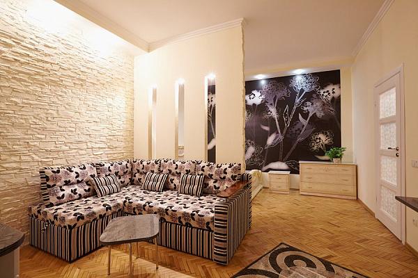 2-комнатная квартира посуточно в Львове. Галицкий район, ул. Пантелеймона Кулиша, 16. Фото 1