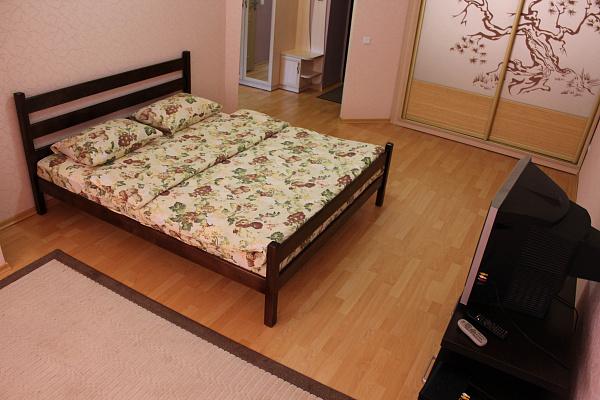 1-комнатная квартира посуточно в Ровно. ул. Богоявленская, 30. Фото 1