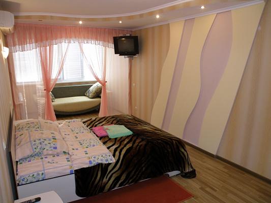 1-комнатная квартира посуточно в Киеве. Соломенский район, пр-т Воздухофлотский, 1. Фото 1