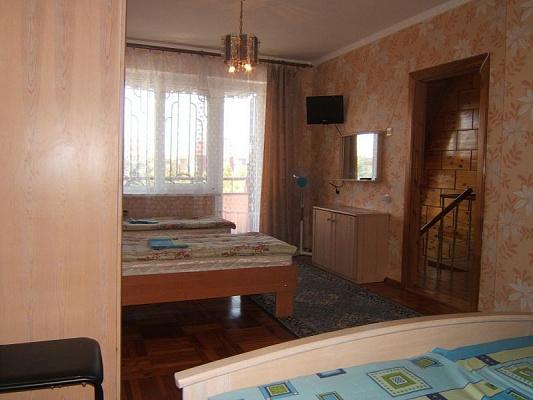 Комната  посуточно в Евпатории. ул. Солнечная, 21а. Фото 1