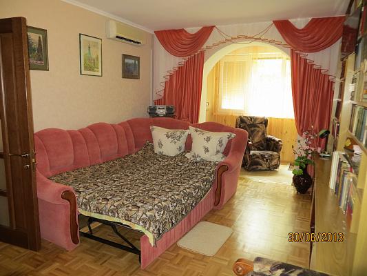 2-комнатная квартира посуточно в Партените. ул. Парковая, 6. Фото 1