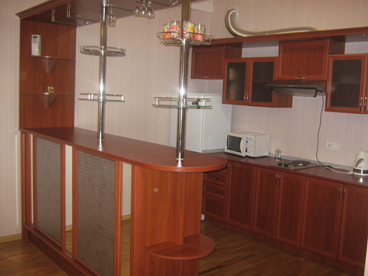 2-комнатная квартира посуточно в Симферополе. Киевский район, ул. Ростовская, 19А. Фото 1