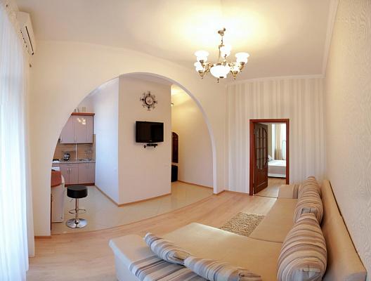 2-комнатная квартира посуточно в Николаеве. Центральный район, ул. Шнеерсона (Карла Либкнехта), 2-Б. Фото 1