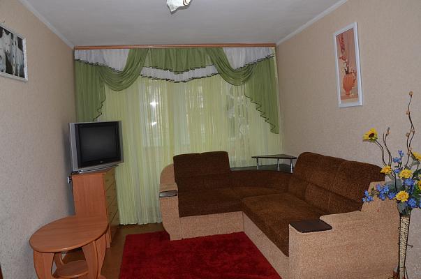 2-комнатная квартира посуточно в Киеве. Соломенский район, ул. Калининградская, 1\7. Фото 1