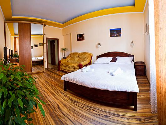 1-комнатная квартира посуточно в Львове. Галицкий район, пр-т Шевченко, 11. Фото 1