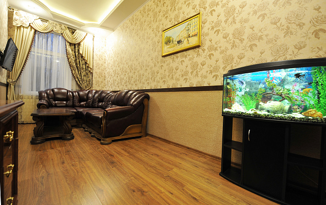 2-комнатная квартира посуточно в Львове. Галицкий район, пл. Данила Галицкого, 15. Фото 1