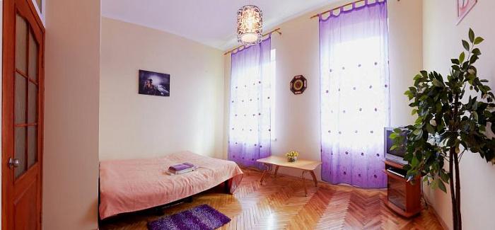 1-комнатная квартира посуточно в Луцке. Проспект Волі , 16. Фото 1
