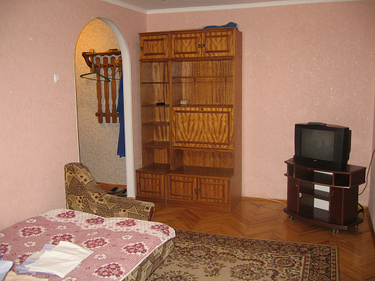 1-комнатная квартира посуточно в Луцке. ул. Ровенская, 85. Фото 1