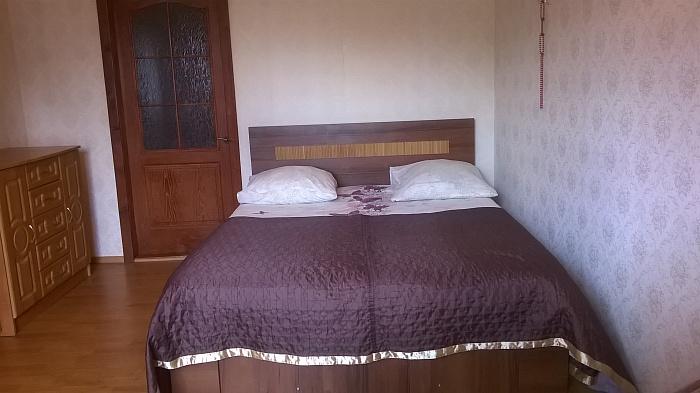 1-комнатная квартира посуточно в Ивано-Франковске. ул. Франка, 10а. Фото 1