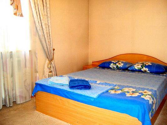 2-комнатная квартира посуточно в Донецке. Киевский район, пр.Германа Титова, 7. Фото 1