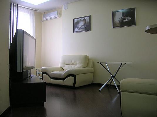 2-комнатная квартира посуточно в Одессе. Приморский район, ул.Cреднефонтанская, 19Б. Фото 1