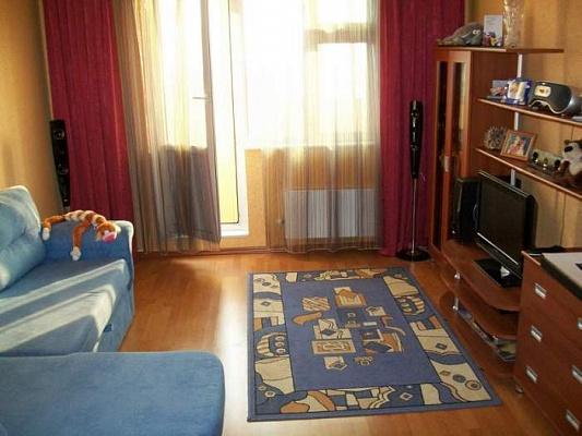 2-комнатная квартира посуточно в Никополе. Электрометаллургов, 42. Фото 1