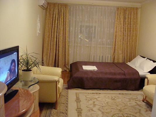 1-комнатная квартира посуточно в Киеве. Оболонский район, пр-т Оболонский, 22 в. Фото 1