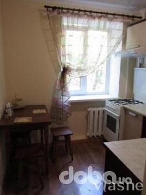 1-комнатная квартира посуточно в Умани. ул. урицкого, 38. Фото 1