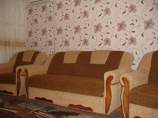 2-комнатная квартира посуточно в Затоке. ул. Зарипова, 3. Фото 1