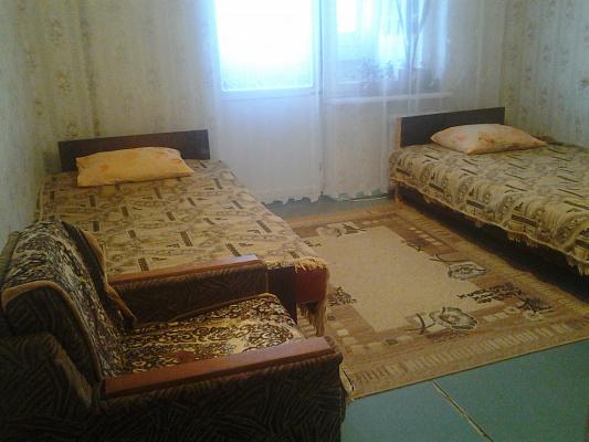 2-комнатная квартира посуточно в Алуште. ул. Октябрьская, 49. Фото 1