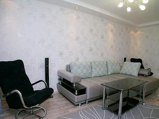 2-комнатная квартира посуточно в Донецке. Ворошиловский район, ул. Щорса. Фото 1