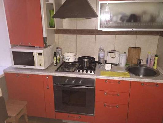 1-комнатная квартира посуточно в Днепропетровске. Бабушкинский район, пр-т Героев Сталинграда, 111. Фото 1